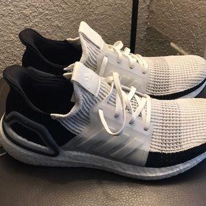 Ultraboost 19 pair